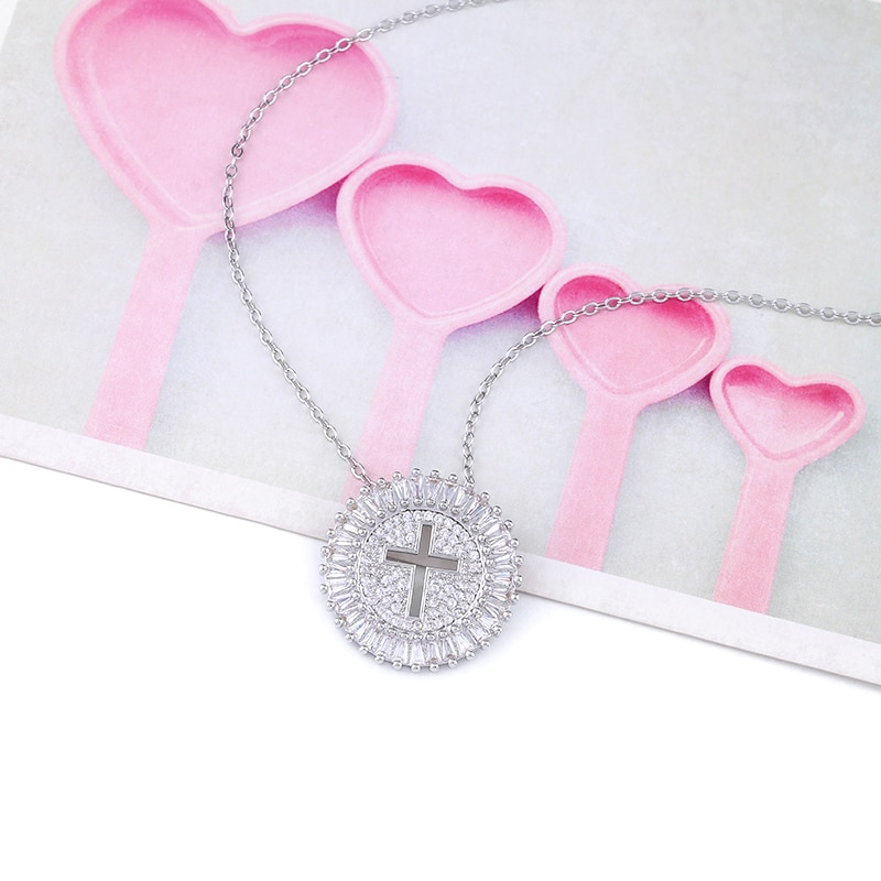 FLOLA Cubic Zirconia Gold Cross Necklace Women with Crystal Cross Pendant Long Chain Necklace CZ Christian Jewelry nkep11